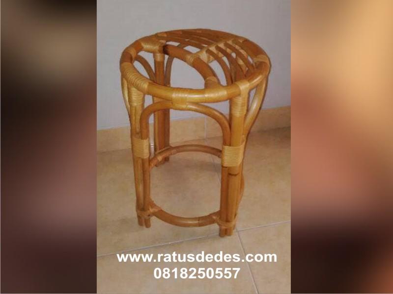 perlengkapan - kursi rotan spa